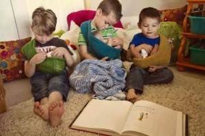 niños amamantando