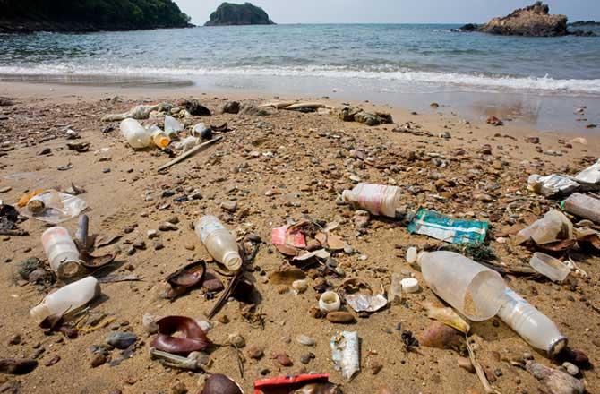 basura-plastica-playa